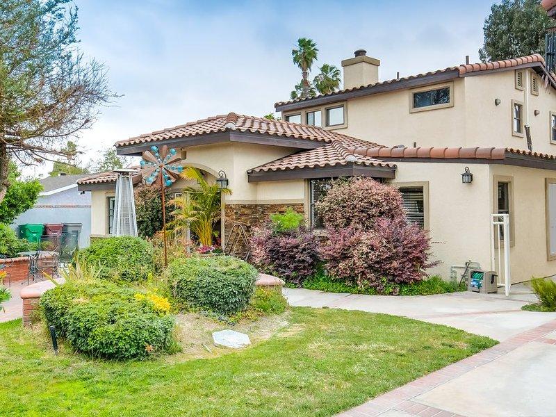 Mini Villa close to beaches Disneyland and much more!!!, holiday rental in Santa Ana