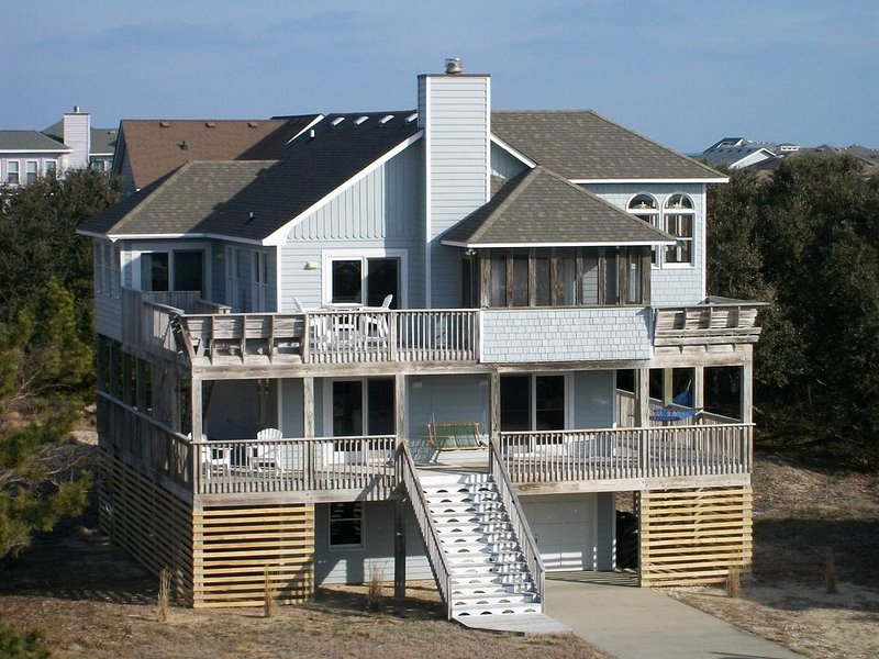 Schooner Ridge 5BR Oceanside Steps From Beach And Town, alquiler vacacional en Kitty Hawk