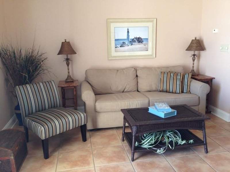 Direct Beach Front, Beach/Ocean View, 2 Pools, Stylish, Comfortable & Relaxing, alquiler de vacaciones en Fort Morgan