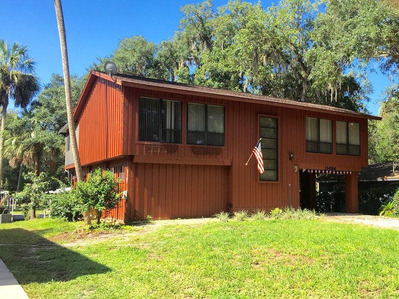 Old Homosassa Waterfront Retreat With Dock. Quiet! No Major Boat Traffic!, holiday rental in Homosassa