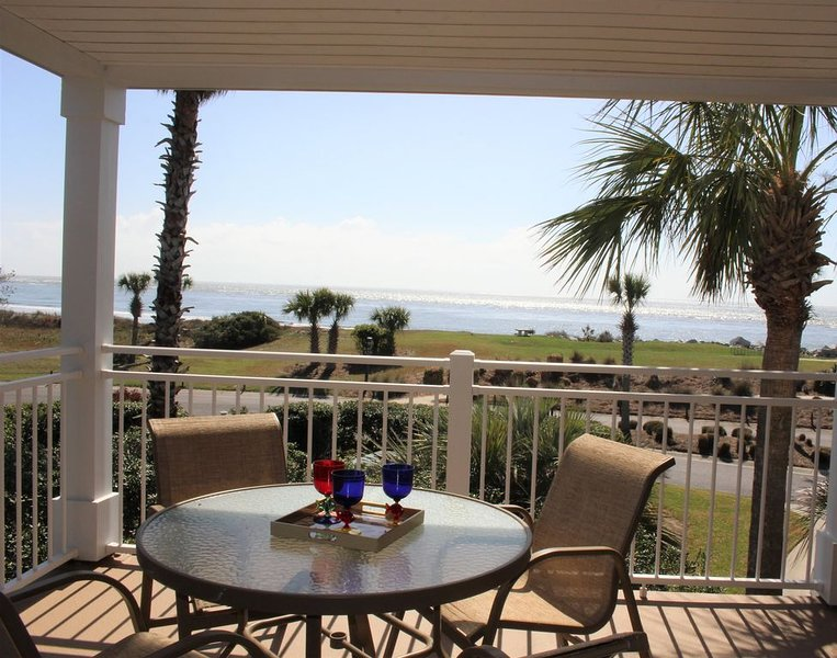 ATRIUM CORNER VILLA WITH FABULOUS OCEAN VIEW, vacation rental in Seabrook Island