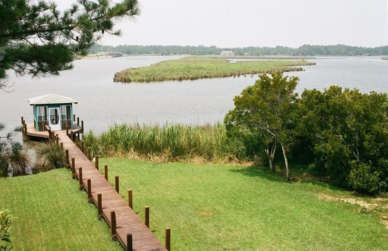 Serenity of Sound front-Close to the Ocean (3 night minimum), vacation rental in Kill Devil Hills