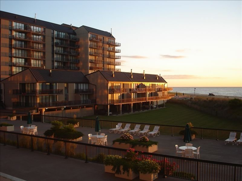 Sea Colony - Oceanfront Chesapeake House, holiday rental in Bethany Beach