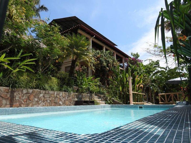 Casa Tropical - Gardens & Wildlife * Manuel Antonio's Hill Top Hidden Paradise, location de vacances à Parc national Manuel Antonio