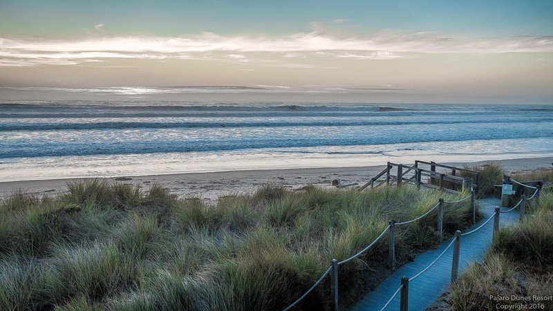 Pajaro Dunes Resort: 1st Class 3 Bedroom Family Beach Home - Newly Updated!, alquiler vacacional en Watsonville
