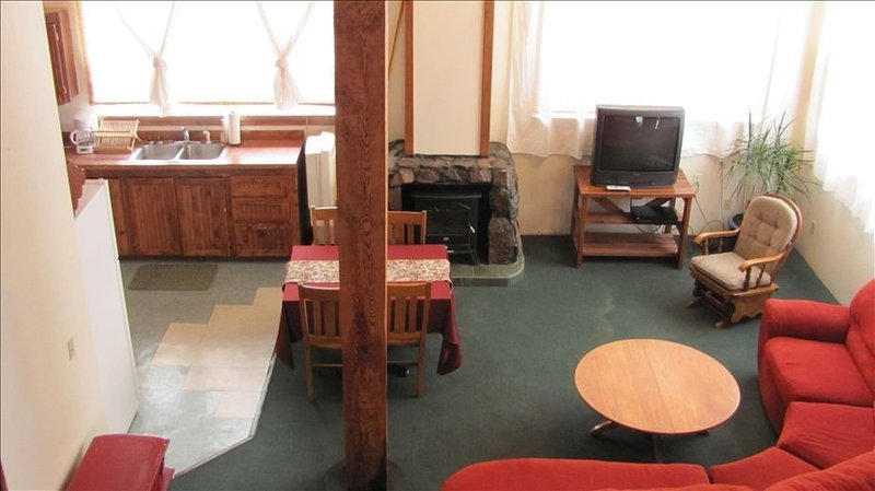 Beautiful Loft Apartment Centrally Located for Recreation., holiday rental in North Powder
