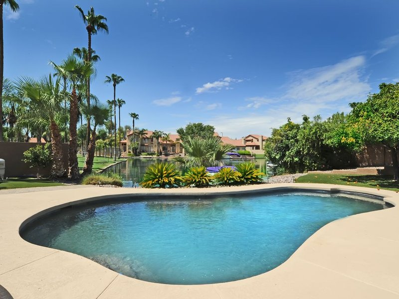 Beautiful Waterfront Property in the Islands, holiday rental in Gilbert