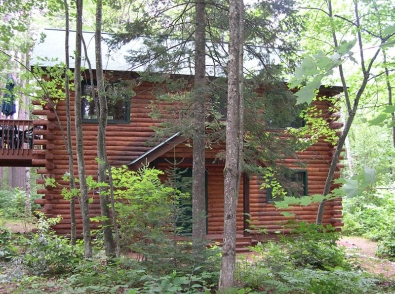 Beautiful Cabin at Aberdeen Lodge on Manitowish Chain, vacation rental in Manitowish Waters