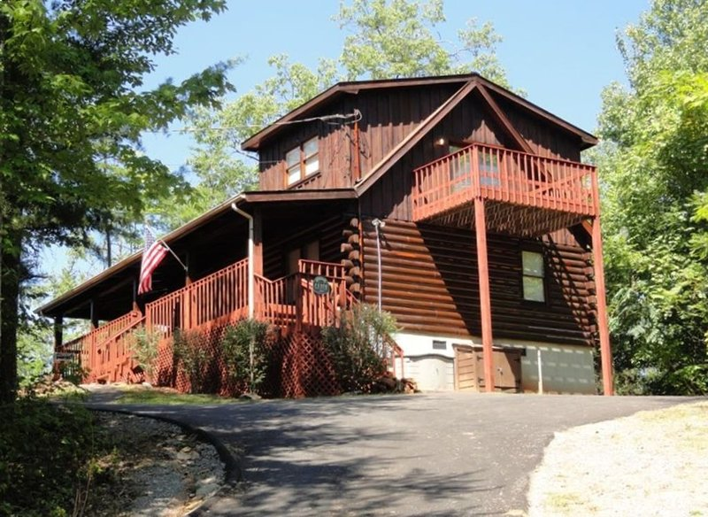 *Location Location Location* Minutes from Gatlinburg and Pigeon Forge, vakantiewoning in Sevierville
