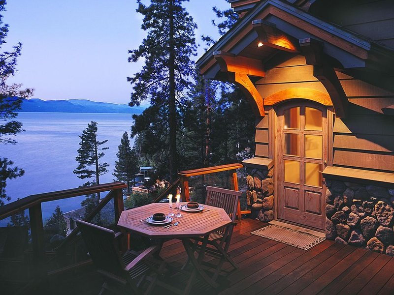 North Tahoe LakeView Home, 4 BR, sleeps 8, alquiler de vacaciones en Lago Tahoe