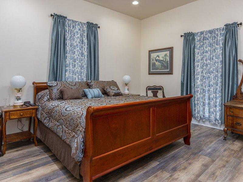 Beautiful upgraded older home in historic Beauregard Town, vacation rental in Baton Rouge