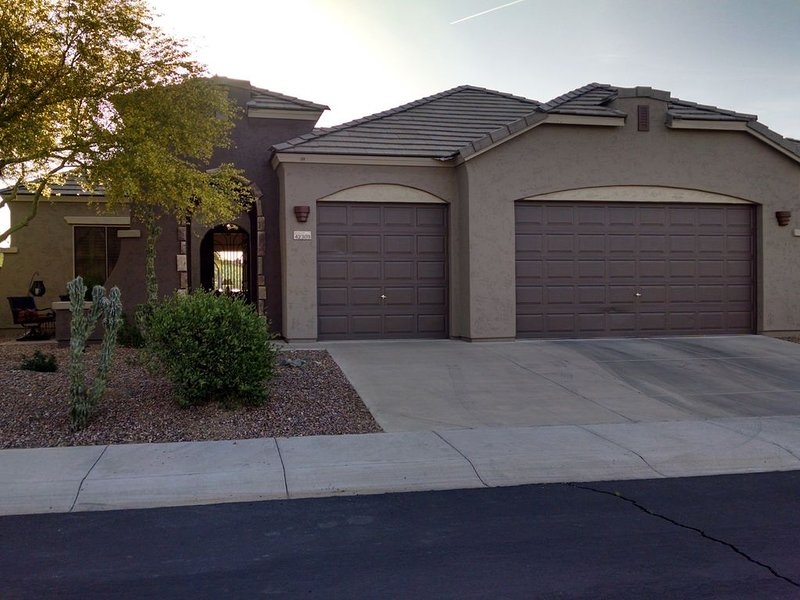Sonoran Desert Resort Home W/ Heated Pool And Located On Private Golf Course, holiday rental in Anthem