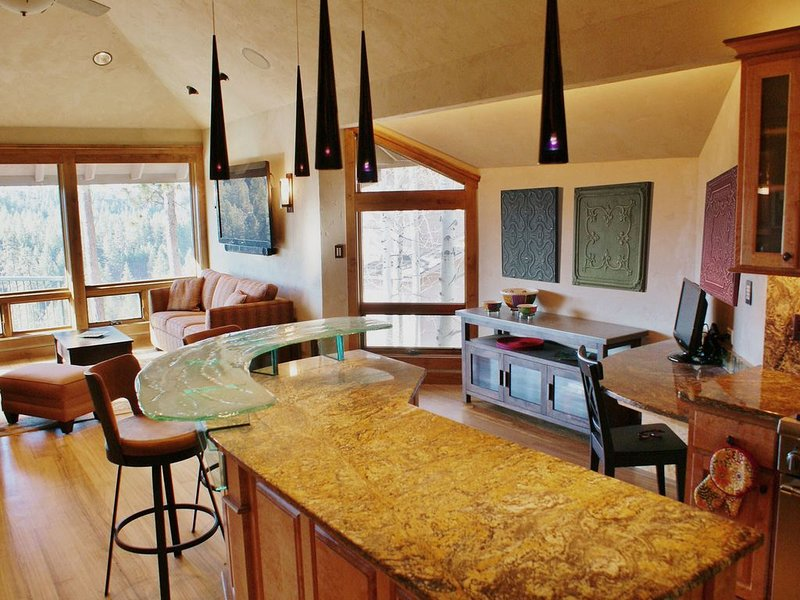 River View Contemporary Vacation Townhouse, location de vacances à Central Oregon