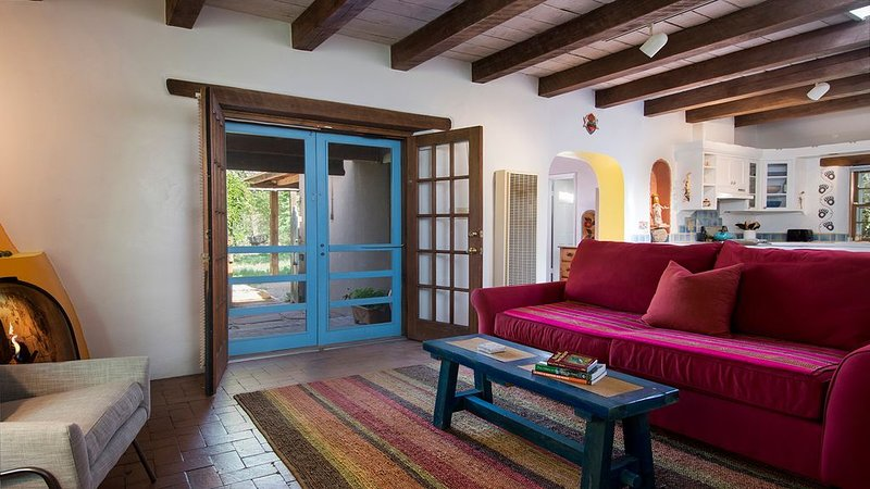 Perks and Perfection at this Lovely Casita in Tesuque, alquiler de vacaciones en Tesuque