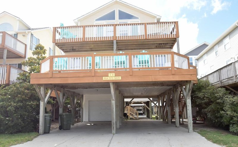 Oceanfront E8, 5br/3ba, holiday rental in Socastee