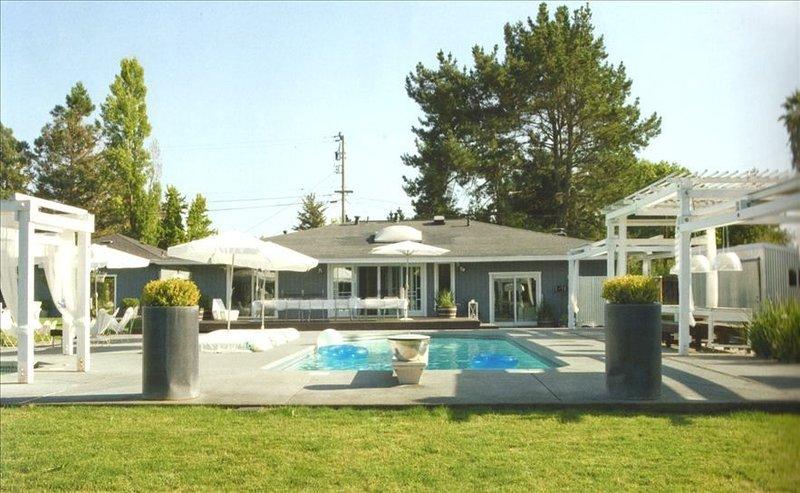 Modern Wine Country Home W/Pool&Spa in European Elle Magazine!, holiday rental in Sebastopol