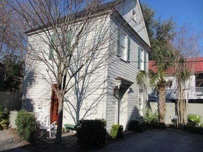 Two Bedroom House Downtown.  Looking for a month to month renter., vacation rental in Charleston
