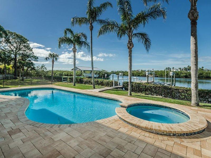 Gulf and Golf Oasis in Friendly Ozona, alquiler de vacaciones en Crystal Beach