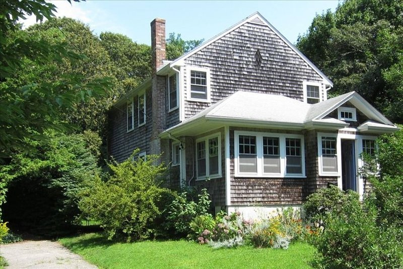 Family-Friendly Vacation Home in Charming Woods Hole, vacation rental in Falmouth