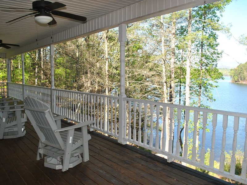 Private waterfront home...Booking now for summer of 2020, holiday rental in Nebo