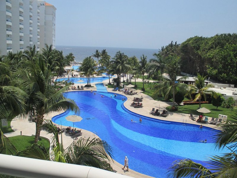 DREAMS VILLAMAGNA PARADISE ON THE BEACH, holiday rental in Nuevo Vallarta