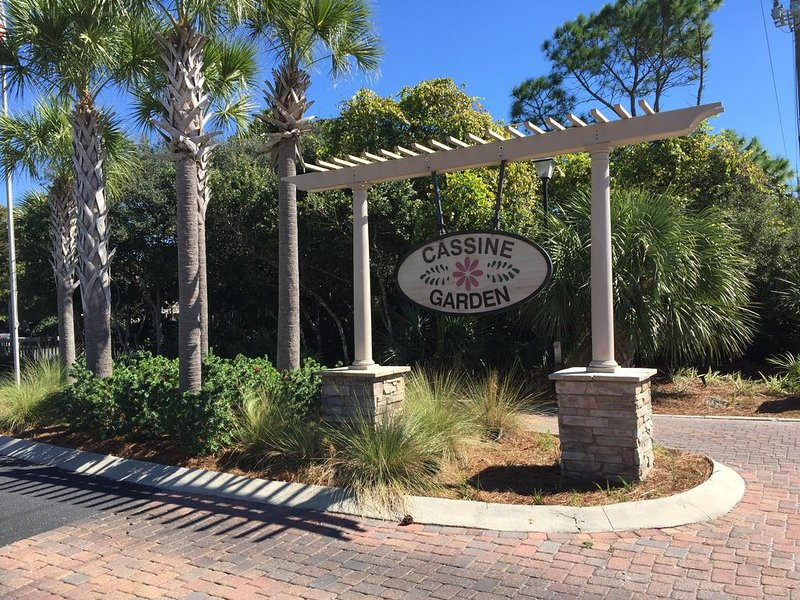 'Affordable Indulgence'  Cassine Garden Vacation Rental, vacation rental in Seagrove Beach