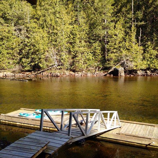 Quai privé et kayaks