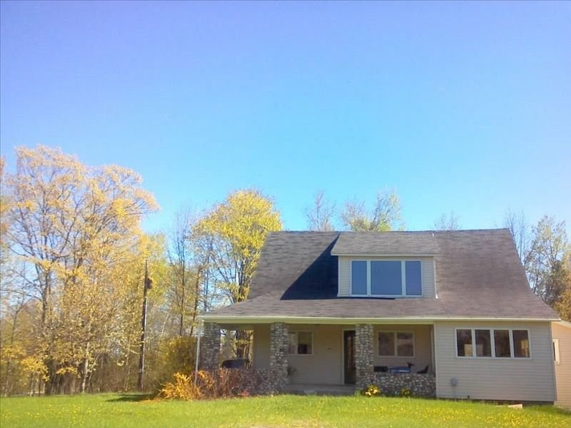 Peaceful Country Vacation Home-Available Weekly, holiday rental in Northport
