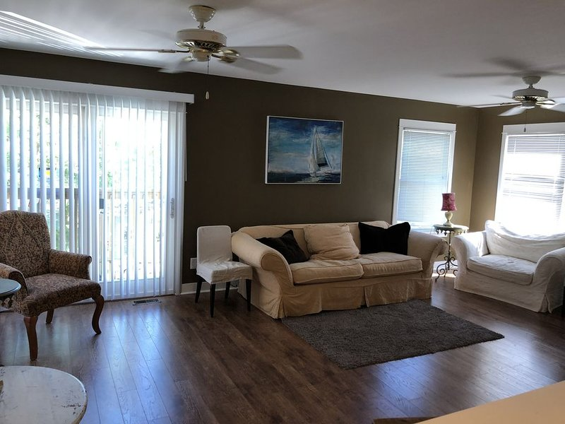 Great Guest House at Heart of Beachwalk Community(2 bedrooms!!!!!), holiday rental in Michigan City