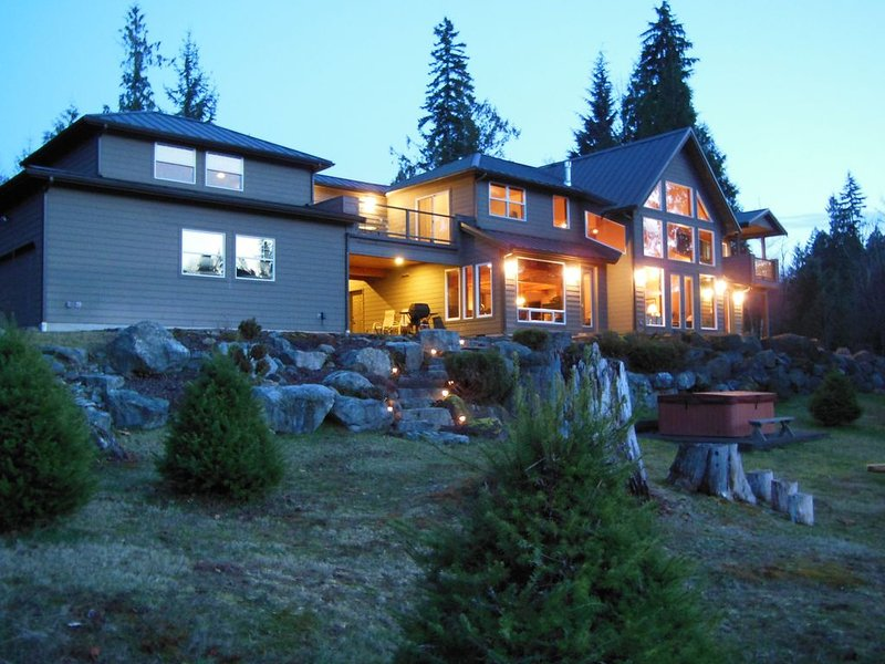 Cowlitz River Home -- Book Now for your Winter Vacation, holiday rental in Packwood