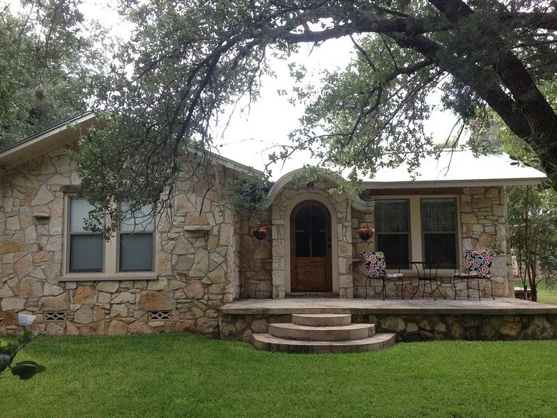 Rahe Guest Haus 30 Minutes From Austin, aluguéis de temporada em New Braunfels