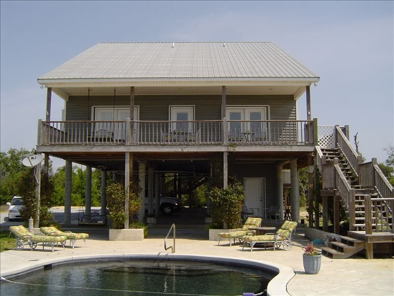 OUR BEACHES ARE OPEN!  Private Beachfront Casual Home Custom Salt Water Pool, holiday rental in Gautier