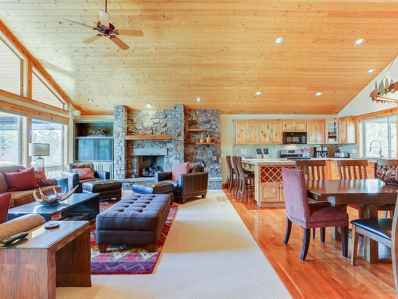 Special rates for special times. We've reduced our standard summer rates 30%...., vacation rental in Sunriver