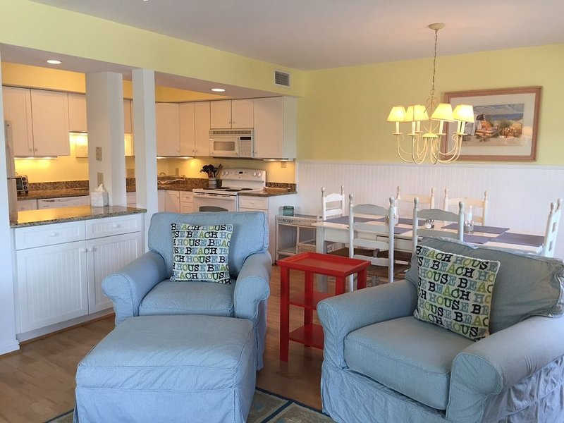 Oceanview on Banks Channel W/ Private Pier & 25' Boatslip, holiday rental in Wrightsville Beach