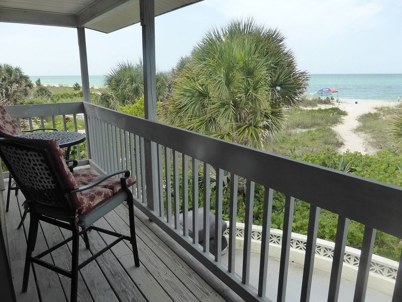Spectacular Beachfront Living on Casey Key, holiday rental in Laurel