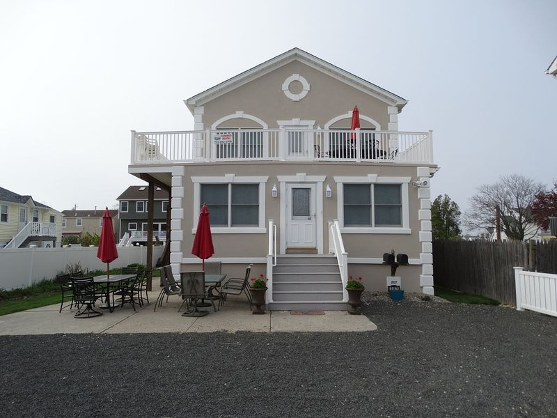 **Sanitation after each stay** 21/4 blocks to the beach & short walk to town, holiday rental in Point Pleasant Beach