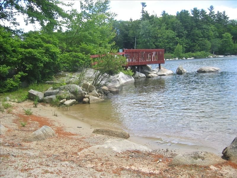 Big Sebago Lake - Sandy Beach & Privacy & Canoe, casa vacanza a Raymond