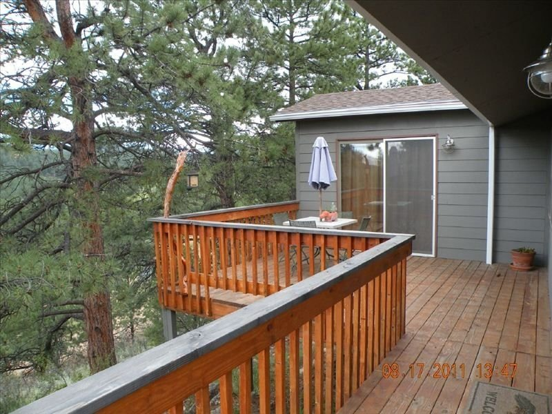 Privacy abounds, afternoon sunning. And bedroom access to deck!
