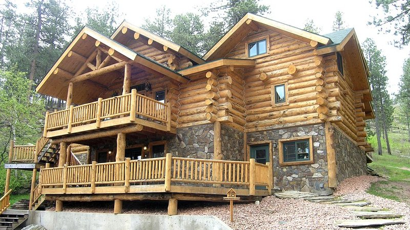Executive Lodge in the Black Hills, holiday rental in Rockerville