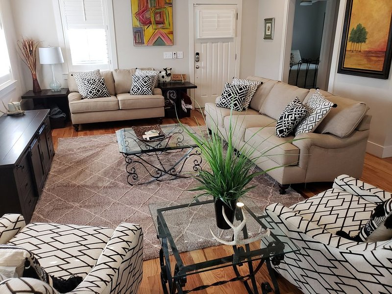 Sylvan Heights Paradise, 2~3 miles From Downtown, Broadway, Midtown, Gulch, vacation rental in Nashville
