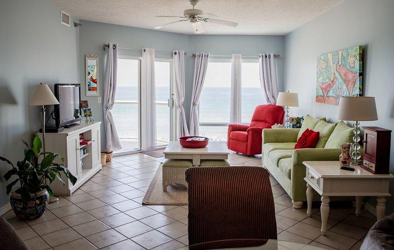 Gorgeous Condo directly on the Gulf of Mexico!, alquiler de vacaciones en Pensacola Beach