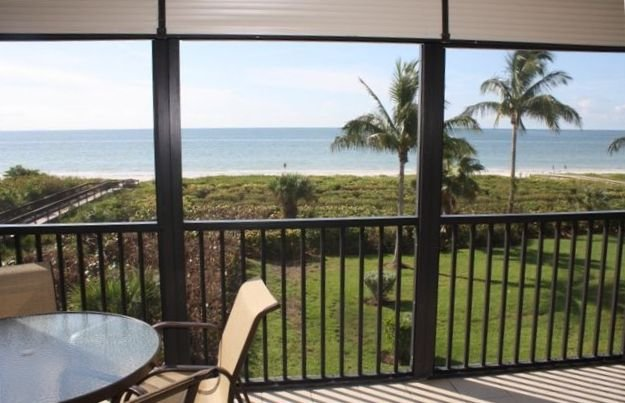 Compass Point Gulf Front Corner Unit Wireless WiFi, holiday rental in Sanibel Island