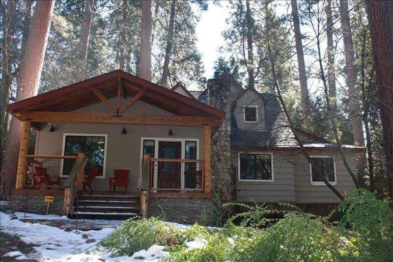 Lone Star Lodge: Rustic Elegance, Gourmet Kitchen,Hot Tub,A/C,Lake Membership, location de vacances à Mi Wuk Village