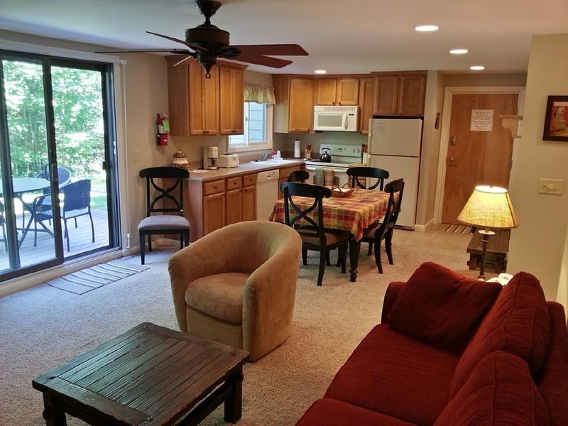 Smugglers Notch - 3 Bedroom Condo in the Heart of America's #1 Family Resort, holiday rental in Jeffersonville
