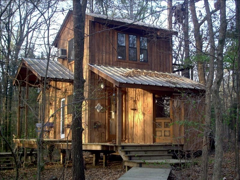 Quiet Lofted Cabin 4 Miles from Edom, an Art Community., alquiler vacacional en Larue