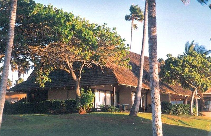 Closest Oceanfront Cottage on Kepuhi Beach, Molokai- $Discount, Ferienwohnung in Molokai
