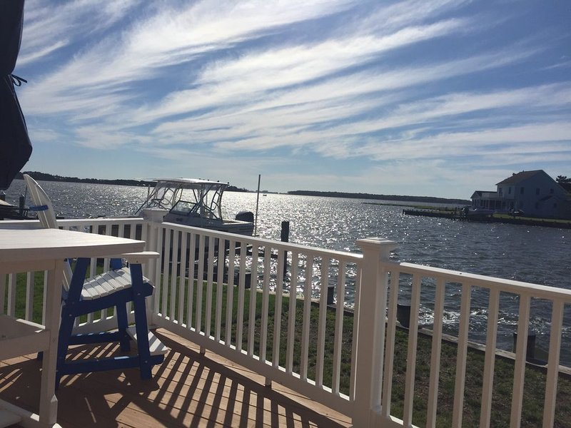 Million Dollar View! Waterfront oasis with Ocean City skyline view!, holiday rental in Ocean Pines