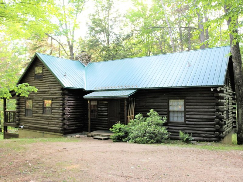 Cozy Log Cabin in Jackson NH – semesterbostad i Hart's Location