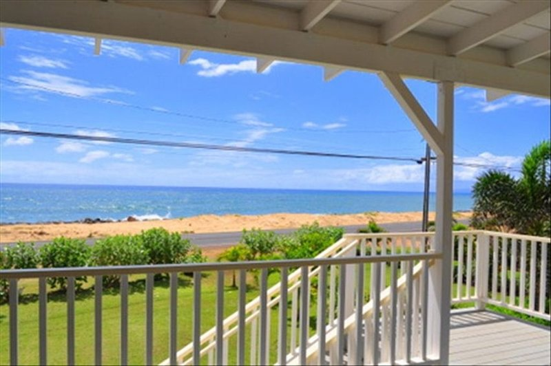 Oceanfront Beach Cottage - Amazing Sunset Views..Air Conditioning -  TVNCU #1358, vacation rental in Kekaha