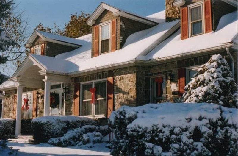 Mountain Stone Manor 7 Miles to Hershey and Close to Lancaster, vacation rental in Palmyra